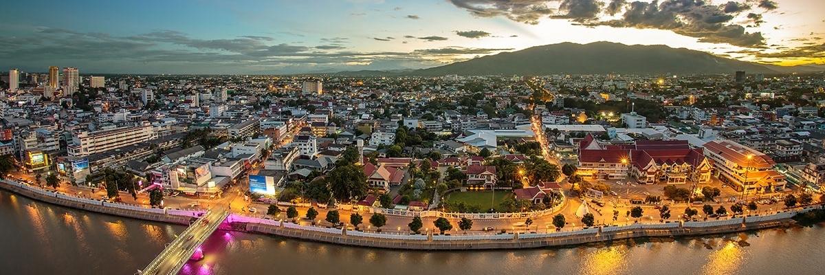 http://gody.vn/blog/nguyen_kim_phung_1a/post/ngoai-bangkok-thai-lan-con-co-ca-mot-thi-tran-chiang-mai-xinh-dep-dang-cho-ban-den-kham-pha-84