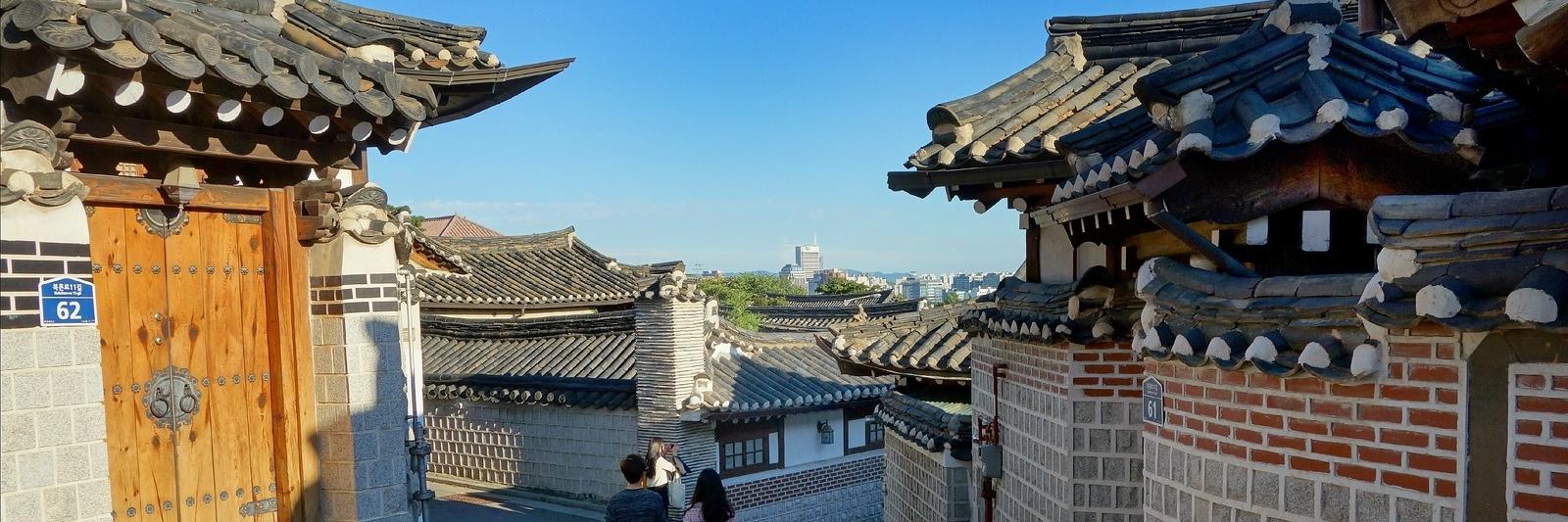 http://gody.vn/blog/nhu.bach7672/post/5-ngoi-lang-co-dep-nhu-co-tich-tai-chau-a-372