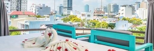 http://gody.vn/blog/nguyentoan01/post/dep-muon-xiu-raon-danang-beach-hotel-1000-goc-song-ao-chi-tu-200knguoi-468