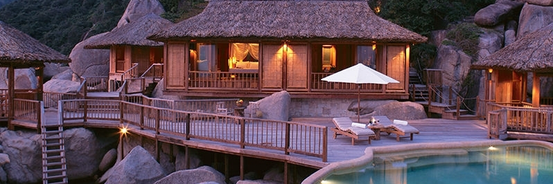 http://gody.vn/blog/tramanh.trieu6230/post/8-resort-dep-nhat-nha-trang-nhat-dinh-phai-di-mot-lan-trong-doi-735