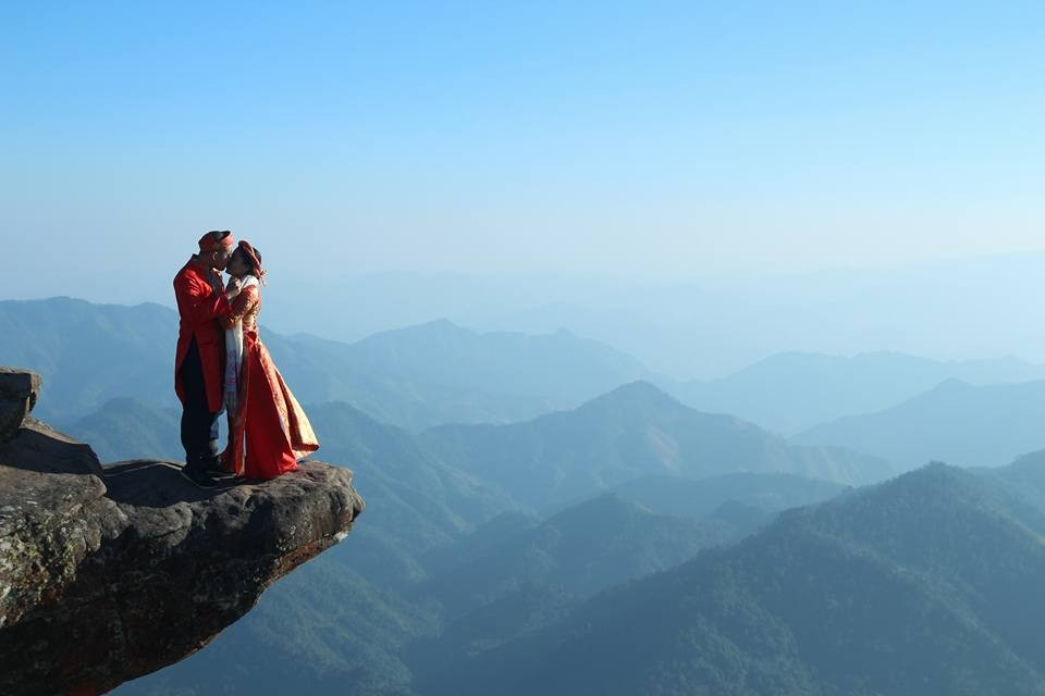 Có ai muốn chụp bộ ảnh cưới trên đỉnh Pha Luông cực đỉnh?
